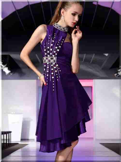 4a8375311d17ff Дизайнери радять обшити комір сукні бісером або намистинами, що буде  виглядати вишукано і вишукано.