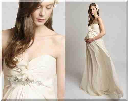 20f3faddea9371 Модні весільні сукні для вагітних підкреслюють красу нареченої. Найбільш  поширена помилка, якої припускаються жінки в цікавому положенні - придбання  занадто ...