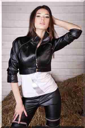 Жіночі шкіряні куртки з екокожі - допоможуть виглядати незрівнянно 351e1988b15ab