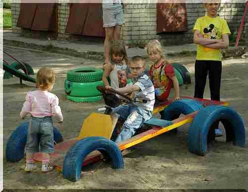 Детская машина на площадку своими руками 182